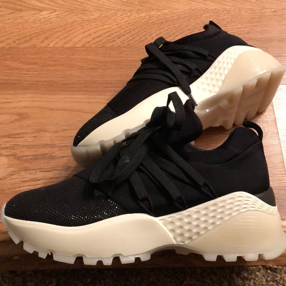 Shoes   Tennis Shoes 5 Bundles Only